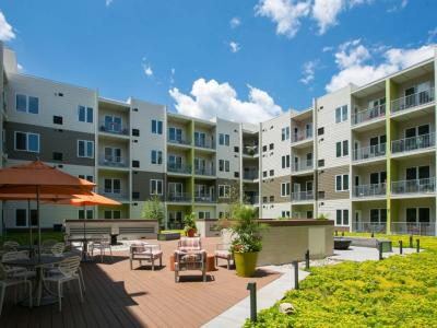 STRATA Courtyard - Apartment amenities in Allentown, PA